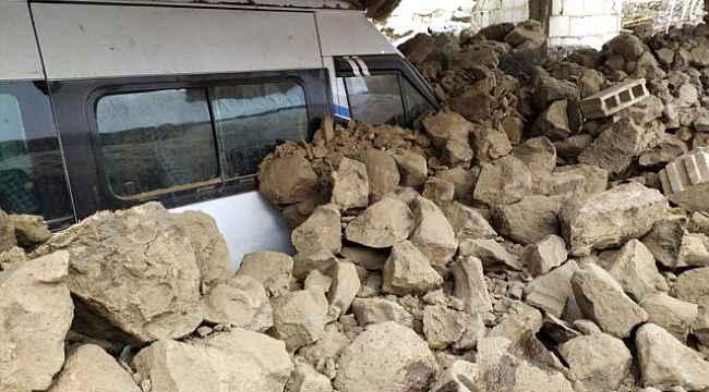 İran'daki deprem Van'ı vurdu! Sağlık bakanı açıkladı: Çok sayıda ölü ve yaralı var!