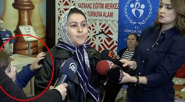 İşte sosyal medyanın eseri... Atakan'ın annesine yaptığı hareket tepki çekti