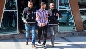 İşten çıkartılınca eski amirinin evini kurşunlayan şahıs tutuklandı