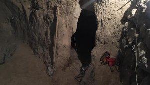 Jandarma evin bodrumunda kazı yapan şahsı yakaladı