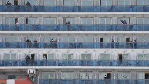 Japonya'daki karantina gemisinde tahliye sürüyor