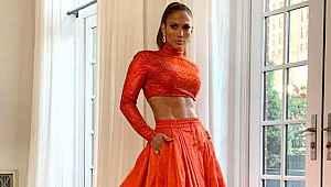 Jennifer Lopez'in bikinili paylaşımına milyonlarca beğeni geldi