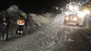 Kayseri'de çığ düştü, ulaşım aksadı