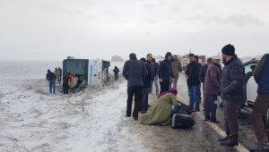 Kayseri'de yolcu otobüsü devrildi, çok sayıda yaralı var