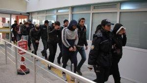 Kocaeli polisinden uyuşturucu tacirlerine darbe: 20 gözaltı