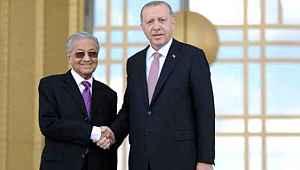 Malezya Başbakanı Mahathir Muhammed, hükümetini kuramadığı için istifa etti