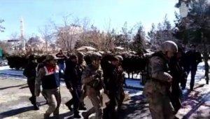 Mardin'de 4 kişi terör örgütü PYD üyeliğinden tutuklandı