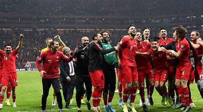 Milan, milli oyuncu Zeki Çelik'i gündemine aldı
