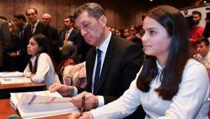 """Milli Eğitim Bakanı Selçuk: """"Okullar arası fırsat adaletini sağlama konusu çok önemli"""""""
