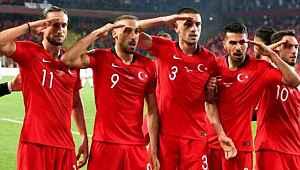 Milliler Mehmetçiğimizin yanında...