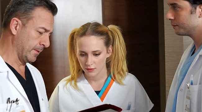 Mucize Doktor'un Açelya'sı iç çamaşırsız pozlarıyla nefes kesti
