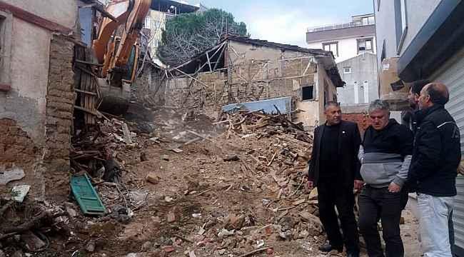 Mudanya'da metruk binalar yıkıldı - Bursa Haberleri