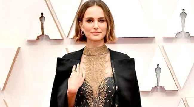 Natalie Portman'ın protesto amaçlı giydiği ceket eleştirildi