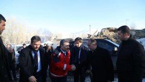 Sağlık Bakanı Fahrettin Koca deprem bölgesini ziyaret etti