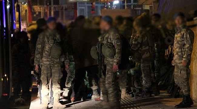 Şehit haberleri sonrası Suriye sınırına büyük askeri sevkiyat