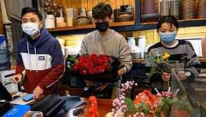 Sevgililer Günü'nün yeni moda hediyesi... Anti koronavirüs buketi