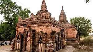 Tapınak önünde cinsel ilişki videosu çekip internete yükleyen çift tepki çekti