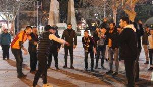 Taraftar grupları arasındaki gerginliği polisin müdahalesi önledi