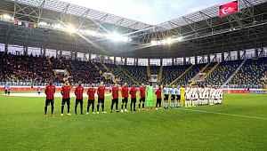 Tüm futbol karşılaşmalarında saygı duruşu yapılacak