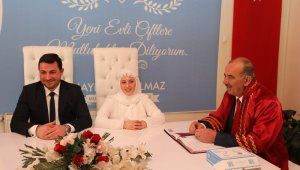 Türkyılmaz, genç çiftlerin nikâhını kıydı - Bursa Haberleri