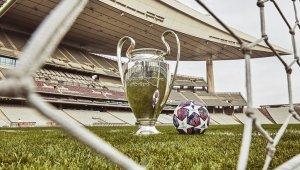 UEFA, İstanbul'da oynanacak Şampiyonlar Ligi finalinin topunu tanıttı