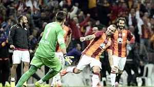 Wesley Sneijder'den Fenerbahçe'ye