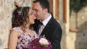 Yeni evli çifti ölüm de ayıramadı