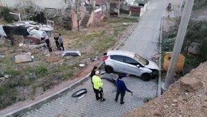 40 metrelik duvardan alt yola uçan aracın sürücüsü kazayı ucuz atlattı