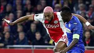 Ajax, Ryan Babel'in sözleşmesini feshetti