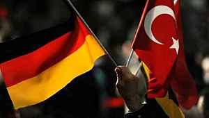 Almanya, koronavirüs nedeniyle Türkiye ile olan mülteci kabul programını askıya aldı