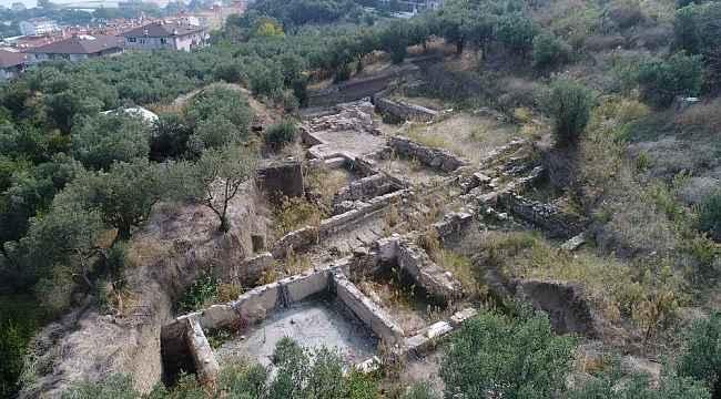 Antik kentin kalıntılarına saldırı - Bursa Haberleri