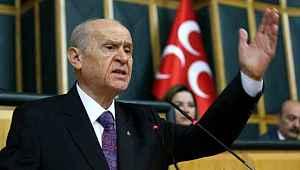 Bahçeli, Türk heyetinin Rusya'da bekletildiği iddialarına tepki gösterdi