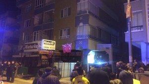 Başkent'te korkutan yangın: 5 kişi dumandan etkilendi