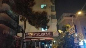 Beş katlı binanın balkonları büyük bir gürültüyle çöktü