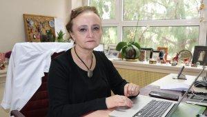 """Bilim kurulu üyesi Taşova: """"Sıcak illerde virüs daha çabuk kırılabilir"""""""