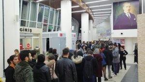 Burdur'da öğrenciler otogara akın etti