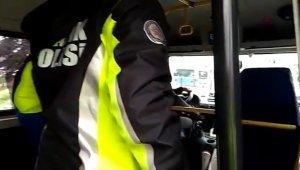 Bursa'da polis ekipleri toplu taşıma araçlarını sıkı denetime aldı - Bursa Haberleri