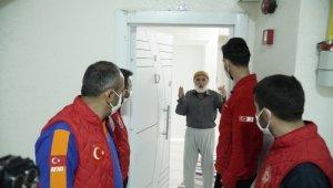 Canı büryan çeken 67 yaşındaki amcanın imdadına ekipler yetişti