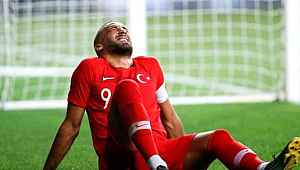Cenk Tosun, 6 ay sahalardan uzak kalacak! EURO 2020'de yok