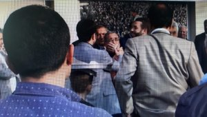 CHP'li vekilin yanında Cumhurbaşkanı'na hakaret eden şahıs gözaltına alındı