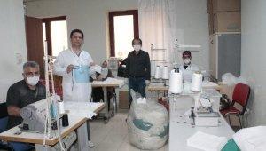 Diyarbakır'da hastane, çalışanları için maske üretmeye başladı