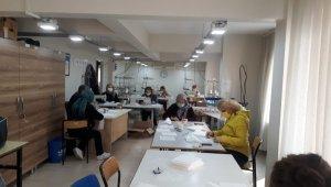 Gemlik Halk Eğitimi Merkezi maske üretimine başladı - Bursa Haberleri