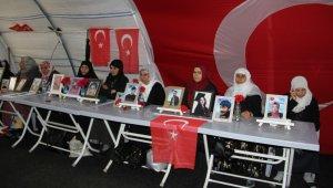 HDP önündeki ailelerin evlat nöbeti 193'üncü gününde