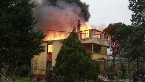 İki katlı ev küle döndü - Bursa Haberleri