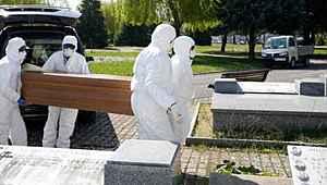İspanya'da bir günde 838 kişi hayatını kaybetti
