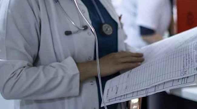 İstanbul'da 24 sağlık çalışanının koronavirüs testi pozitif çıktı