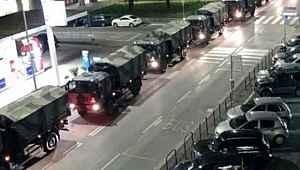 İtalya'da koronavirüsten ölenler askeri araçlarla taşınıyor