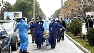 İtalya'de koronavirüs kabusu büyüyor! Ölümler 11 bini aşarken vaka sayısı 100 bini geçti