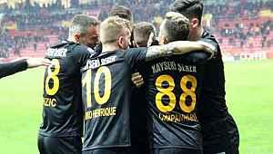 Kayserispor'dan kritik galibiyet