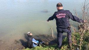 Kızının peşinden ırmağa atlayan babanın cesedi bulundu